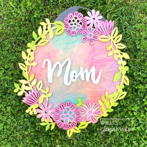 Mothers Day Door Round | Wooden Mom Sign